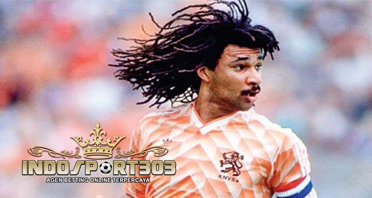 ruud-gullit-agen-bola-online-indosport303