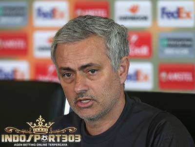 romero, de gea, mourinho, manchester united, europa league, berita bola