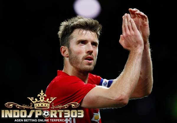 pemain veteran, zlatan ibrahimovic, gianluigi buffon, berita bola
